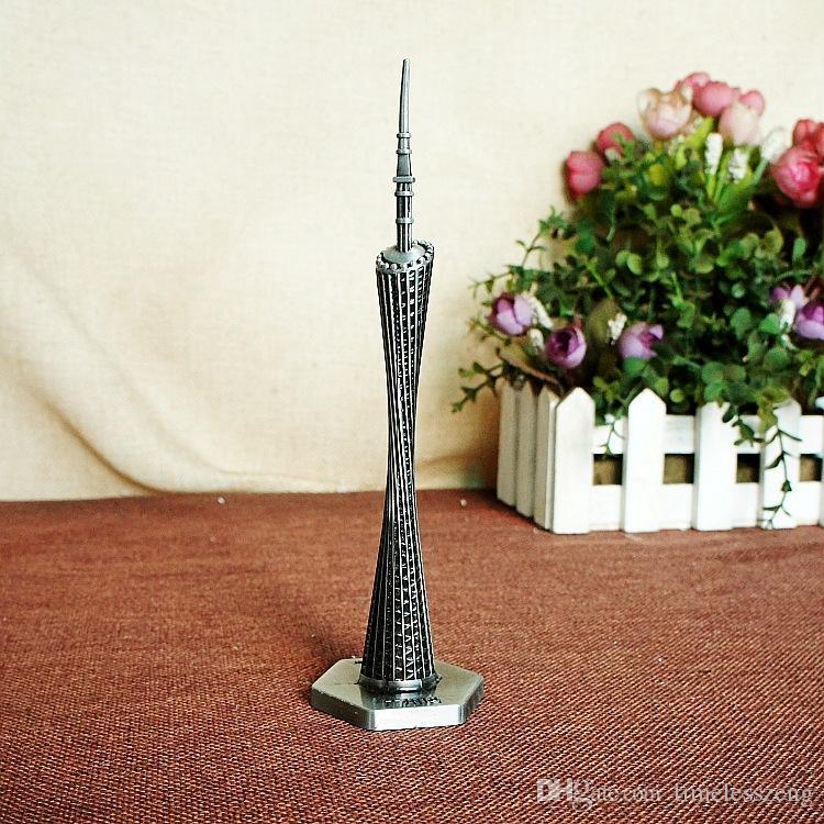 Canton Canton Modello di torre Statuetta in metallo Famoso punto di riferimento cinese Architettura Fine lavorazione Manufatti l'arredamento Home Office Deco