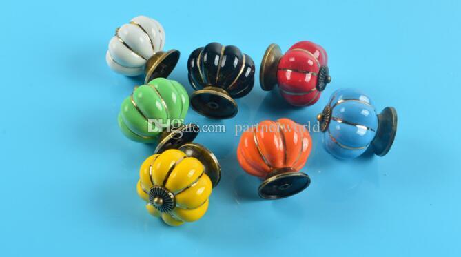 7 Farben Kürbisse Küchenschränke Knöpfe Schlafzimmer Schrank Schubladen Keramik Türgriffe Mit Schrauben 4 * 4 * 2,8 cm