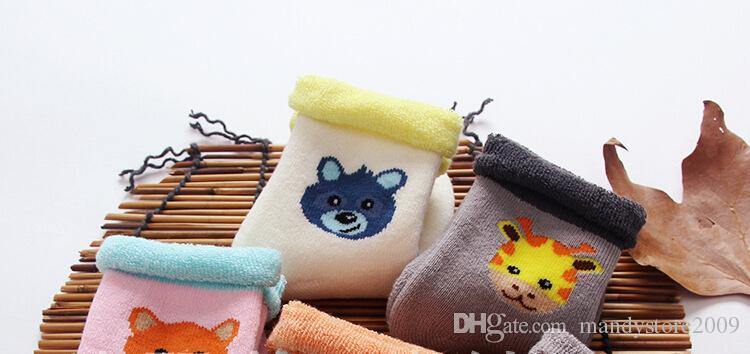 Neue Ankunft Winter Verdicken Kinder Socken Baumwolle Frottee Schlauch Baby Frottee Socken Infant Warm Cartoon Socken