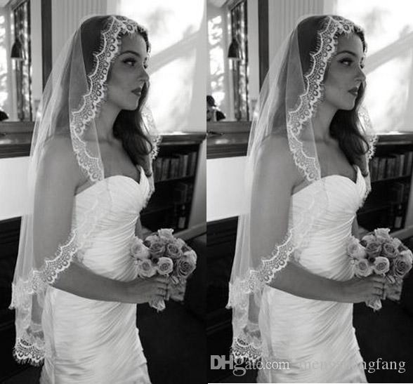 Voile de mariage à un niveau unique avec bordure de dentelle cils courte courte tulle voile de mariée sans peigne Accessoires de mariage T-25