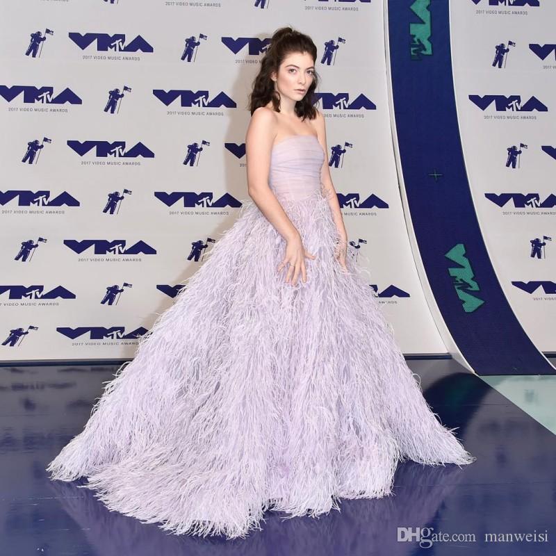 Роскошные вечерние платья из перьев без спинки без бретелек с вырезом Бальные платья Светло-пурпурное вечернее платье
