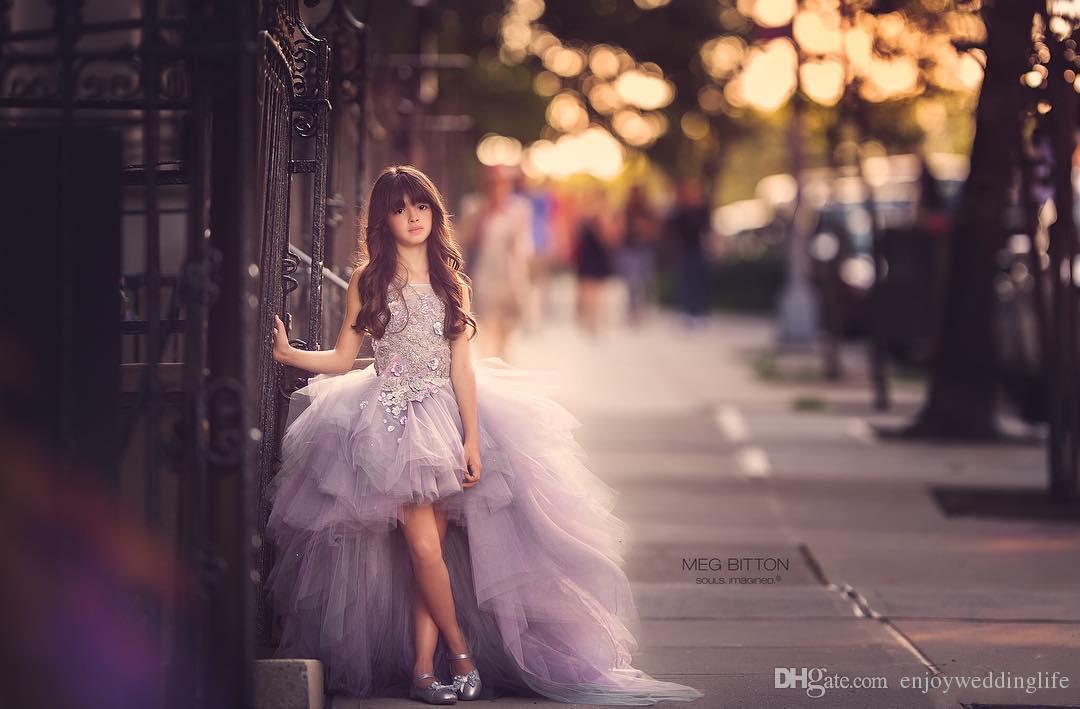 2019 bella lusso lavanda organza fiore ragazze abiti di alta basso pizzo appliques top ruvles gonna ragazze pageant abiti bambini abbigliamento formale
