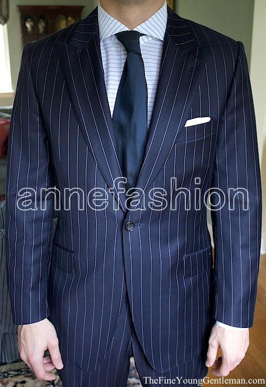 jacke + Pants + Tie + Tasche Squaure Tailored Smoking Neueste Mode Nach Maß Zu Messen Männer Anzug Bespoke Grau Bräutigam Hochzeit Anzug Mit Breiten Revers