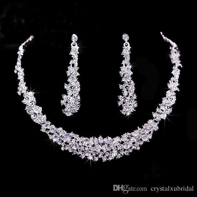 Crystal barato nupcial conjunto de joyería de plata sistemas de la joyería plateado collar de diamantes Pendientes de novia para las damas de honor de la novia la mujer Accesorios de novia