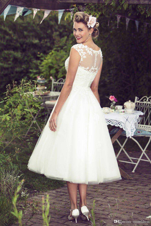 Nuevos vestidos de novia cortos Beach 2020 Sheer cuello Appliques del A Longitud de la línea de té Modest Bohemia Vestidos de novia Vestidos de Noiva encargo barato