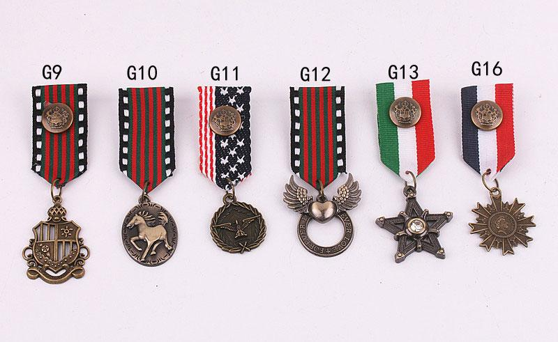 / Accessoires divers Royal Preppy Marine Broche badge broche broderie épaulette gland broche badge militaire