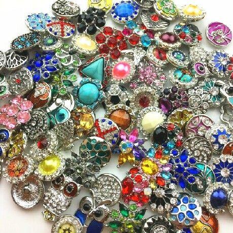 Commercio all'ingrosso 18 MM Ginger Snap Button strass stile misto adatto Noosa bracciali in pelle collana gioielli accessori fai da te