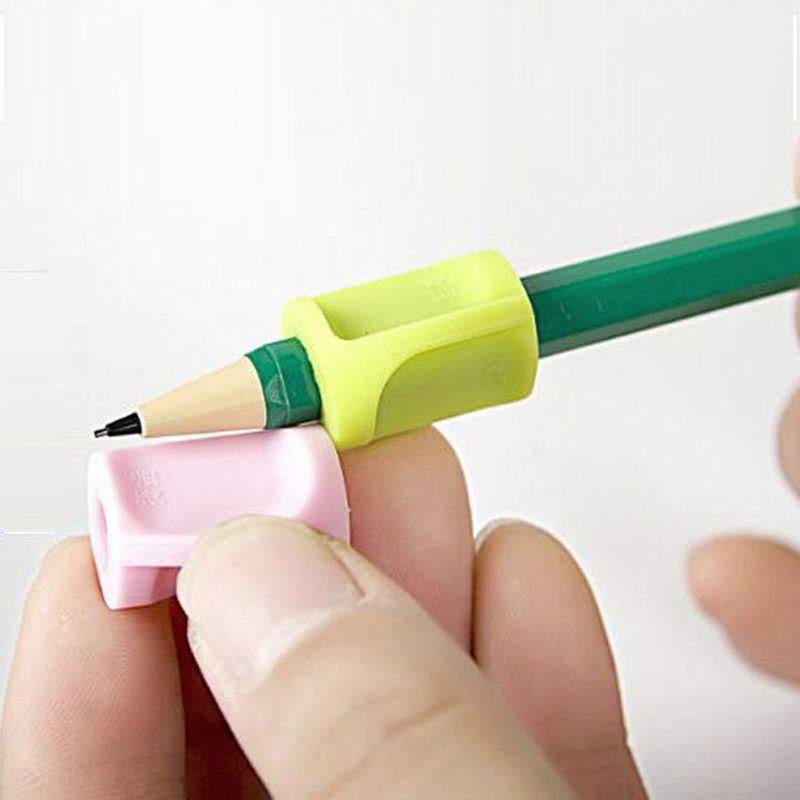 الشحن مجانا 3 قطع شريك التعلم الأطفال الطلاب قلم رصاص عقد جهاز تدرب لتصحيح المواقف قبضة papelaria