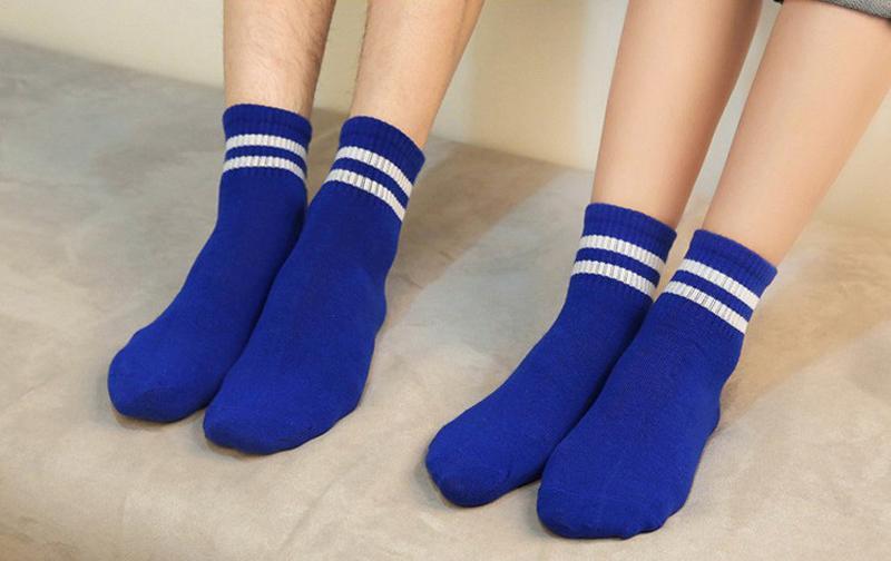 2017 Kore yeni butik pamuk Harajuku Kadın Kızlar kısa çorap Iki Stripes Unisex Koleji retro rahat erkek tüp çorap ücretsiz kargo