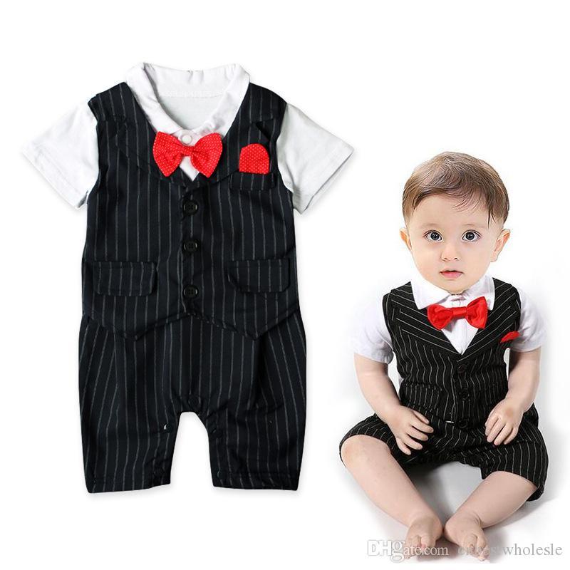 Compre Baby Boy Ropa Infantil Niños Chicos Mamelucos Rayados Bebés  Caballero Moda Monos 2017 Baby Romper Niños Ropa A  46.32 Del  Cnbestwholesle  16341ab02f4