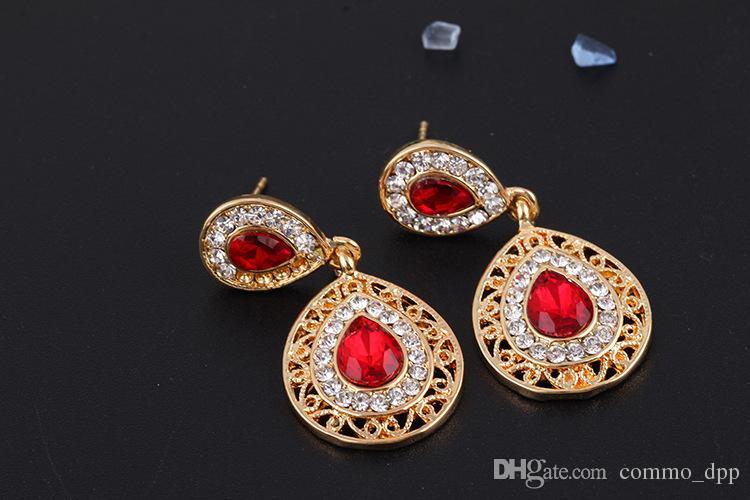Accessoires de cheveux de mariée de mariée pour femmes goujons boucles d'oreilles collier ensembles de boucles d'oreilles en cristal goutte bijoux pendentif