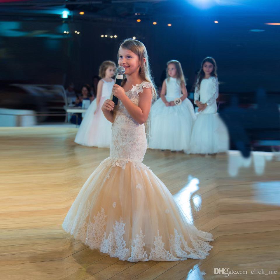 Nette Meerjungfrau-Mädchen-Festzug-Kleider Spitze Applique Sleeveless Günstige Blumenmädchenkleider Kinder Organza V-Ausschnitt Kindergeburtstagskleid