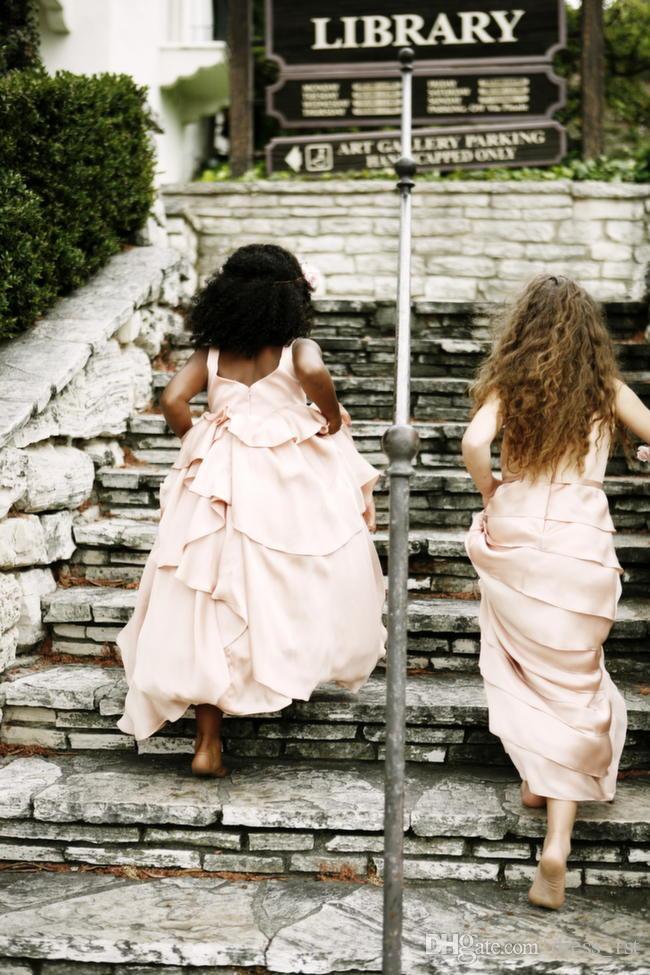 Богемный 2019 Новые платья для девочек-цветочниц Свадьба Дешевые Драгоценности Спинки Многоуровневые оборками Длина пола Румяна Розовые африканские девушки вечернее платье EN6145