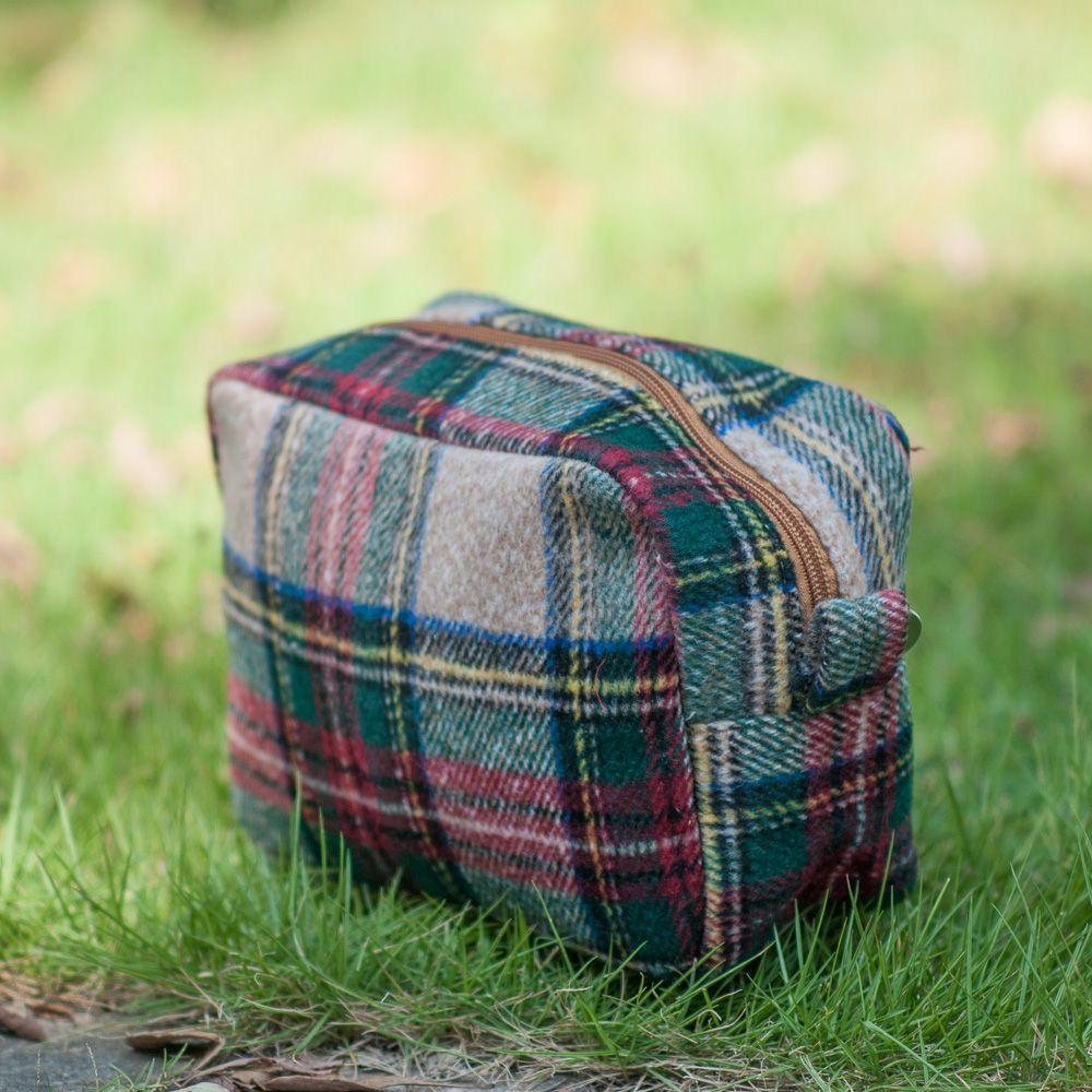 wholesale blanks tan plaid cosmetic bag herringbone houndstooth make up bag with zipper closure wool material DOM676