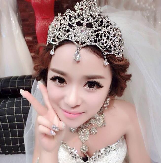 Bridal Crown Tiaras Аксессуары Свадебные украшения Кристалл дешевые Цена Мода Стиль Невеста Аксессуары для волос Ювелирные Изделия HT137