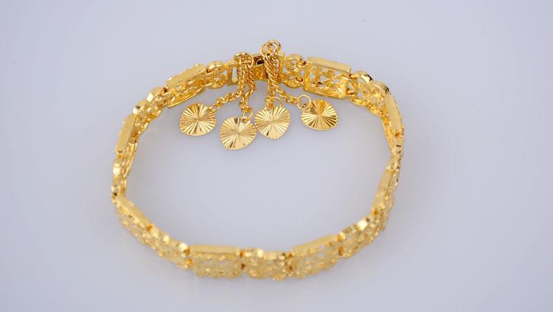 2016 New Fashion Jewelry Plated 18 K Gold Hearts Pendants Bracelet Hollow out ms bracelet allergy KS340