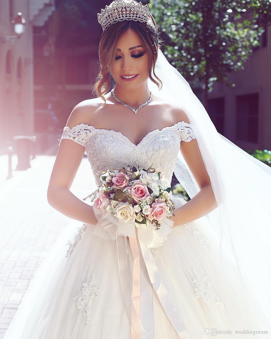 2021 Vestiios de Noiva Ball Gown Principessa Abiti da sposa romantici spalle spalle Cap maniche in pizzo Appliques backless Abiti da sposa