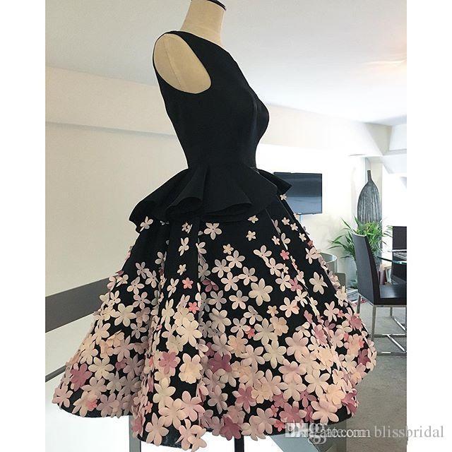 Lovely SHort vestidos de noche negros con hechos a mano 3d floral hinchado una línea Vinatge Prom vestidos por encargo