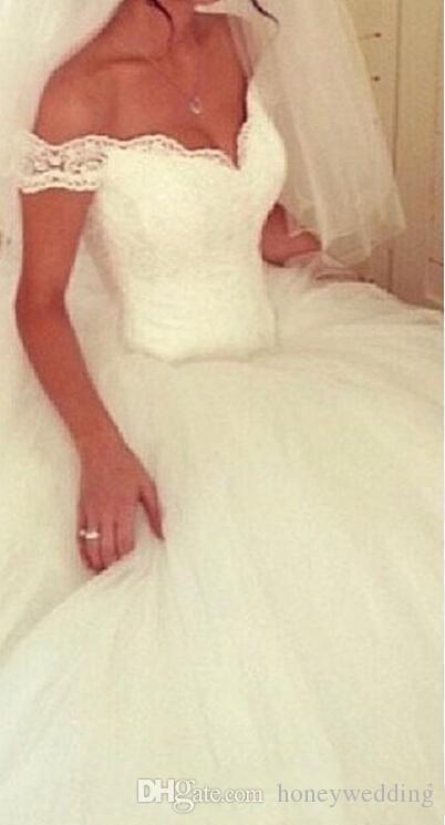 2016 vestidos de novia fuera del hombro de encaje acanalada de tul vestido de bola elegante más tamaño vestidos de novia por encargo de la princesa vestidos de boda