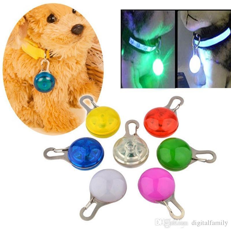 Novidade Dog Cat Night Lights Luz de Segurança de Animais de Silicone Piscando Cor Fivela de Colarinho Piscando Cor Fivela Pet Luminous Lamp Bulbs