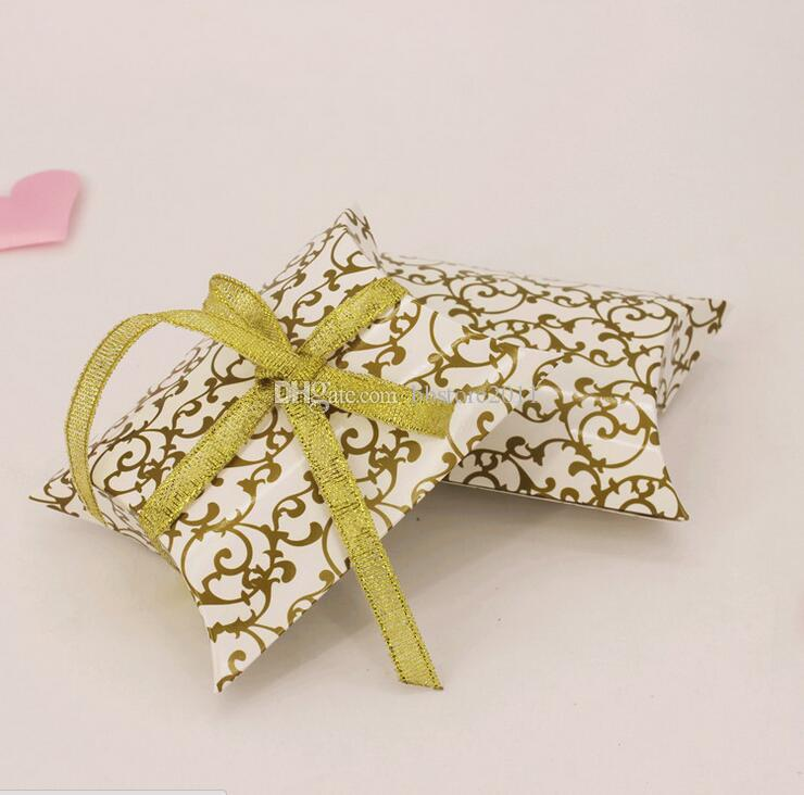 Pillow-Shaped Candy Box European Style Personalized Wedding Favour Candy Box Printed Pillow Box Birthday Party Supplies with Ribbon