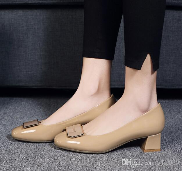 The spring and autumn period and the leisure lighter leather women's shoes thick with square head work with large size and comfortable