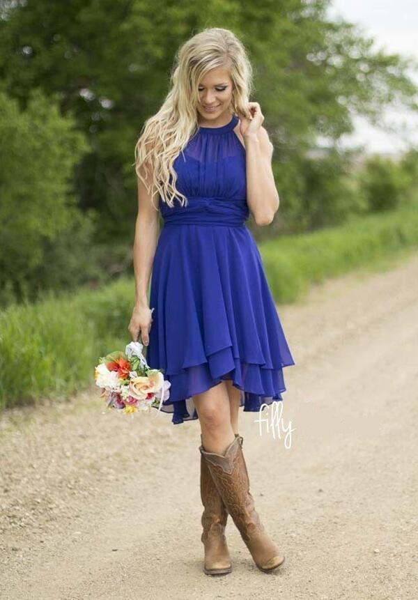 Robes de cocktail de couleur personnalisée Country Westen ruché en mousseline de soie courtes robes de demoiselle d'honneur au genou demoiselle d'honneur robes match bottes de cowboy
