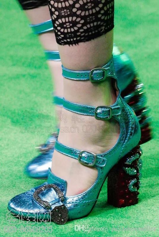 Nuevos zapatos de diseño para mujer de lujo punta redonda tobillo hebilla tacones altos Python Chunky Heel Ladies bombas Rhinestone zapatos de tiras mujer
