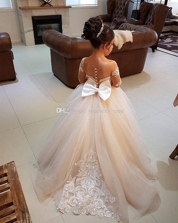 Elegante abito da ballo Flower Girls Abiti matrimoni Sheer Neck maniche lunghe Applique Pizzo Tulle Abiti da sposa bambini Ragazze Abiti da spettacolo