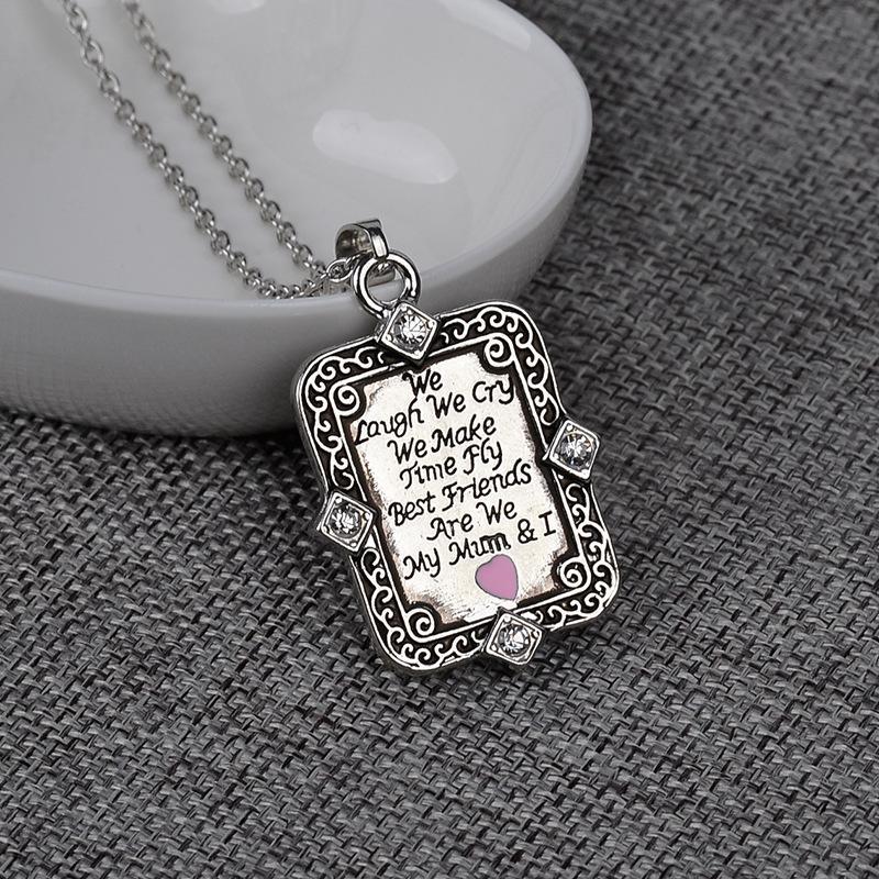 2016 nouveau l'amour entre mère et fille gravé rectangle collier pendentif carré boîte chaîne déclaration collier meilleurs cadeaux de maman