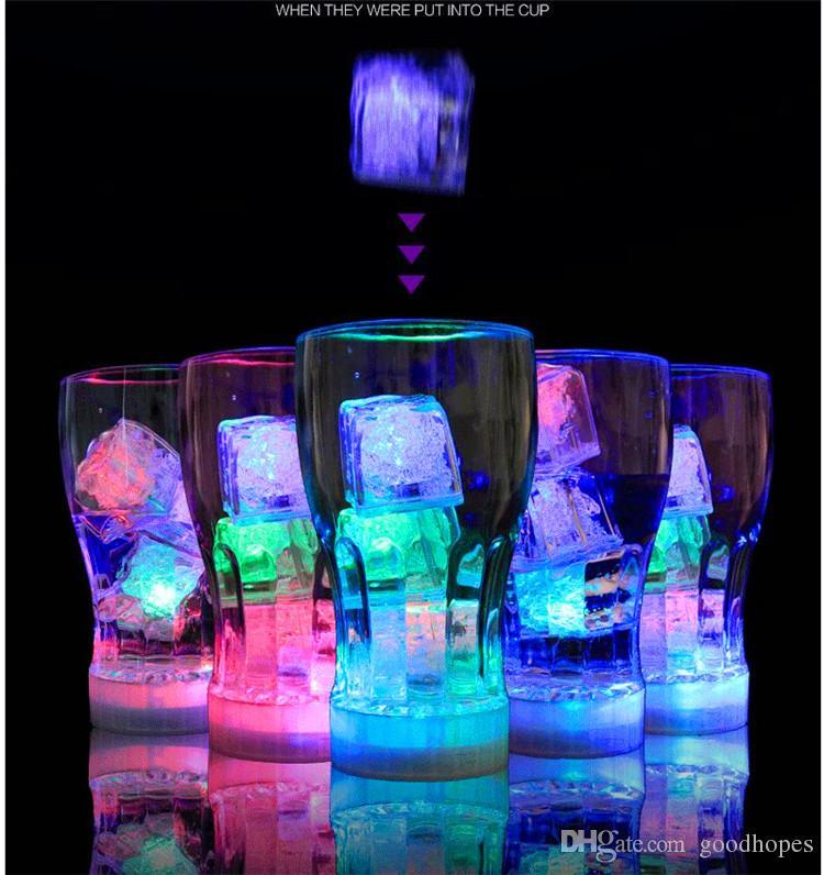 Noel Dekorasyon Flaş Buz Küp Su Aktif Flaş Led Işık Otomatik Değişen Kristal Buz Küp Noel Yeni Yıl Partisi Için Sevgililer barlar