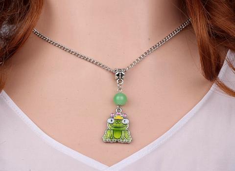 10 STÜCKE Mode Emaille Alloy Nette Frosch Halsketten Anhänger Charms Kragen Aussage Halsband Modeschmuck Für Frauen V20