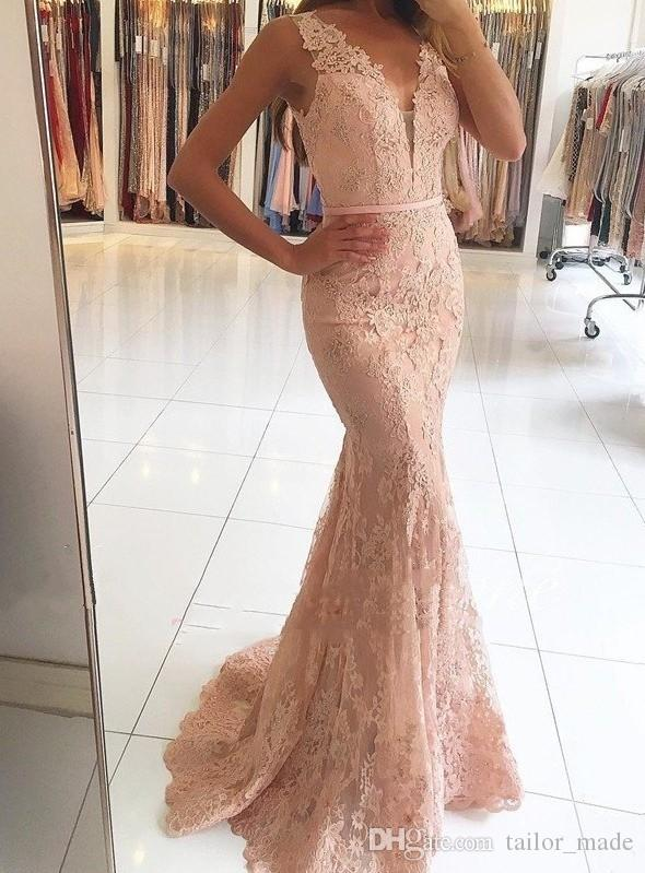 2019 Abiti da sera a sirena con scollo a V applicato con pizzo in rilievo Vedere attraverso Prom Party Gown Custom Made Sleeveless Vestido Longo