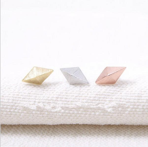 L'arrivée de nouvelles femmes, d'argent et d'or rose en 2016 pour les femmes EY - E009 boucles d'oreilles à cône de diamant festival meilleur cadeau