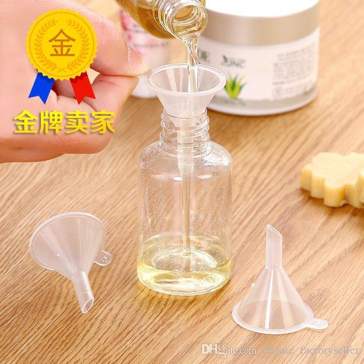 100 unids Plástico Mini Pequeños Embudos Para Perfume Líquido Esencial de Relleno de Aceite Botella Vacía Herramienta de Embalaje Envío Gratis