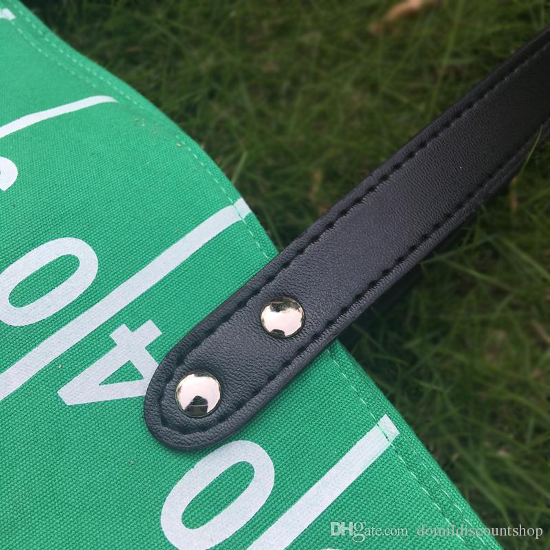 Venta al por mayor Blanks Runway Tote Bag Material de lona Juego de fútbol Day Tote Casual Bolso de gran capacidad bolso deportivo DOM103374