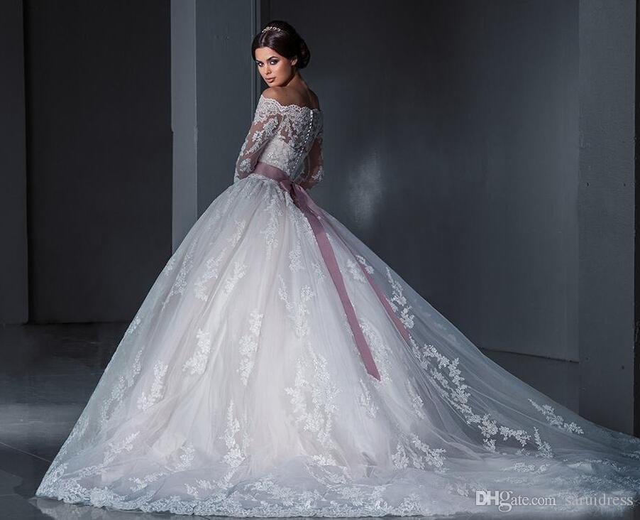 새로운 어깨 긴 소매 채플 기차 Tulle Appiques 비즈 신부 가운 고급스러운 공 가운 공주 레이스 웨딩 드레스