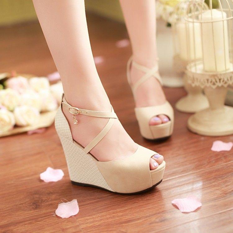 9c426c21f9 Compre Sandálias 2018 Cunhas New Scrub Sapatos Para Mulher Grande 40 41 42  43 44 Pequeno 33 Salto Alto 11CM Plataforma 4cm Tamanho 32 45 De Cntom