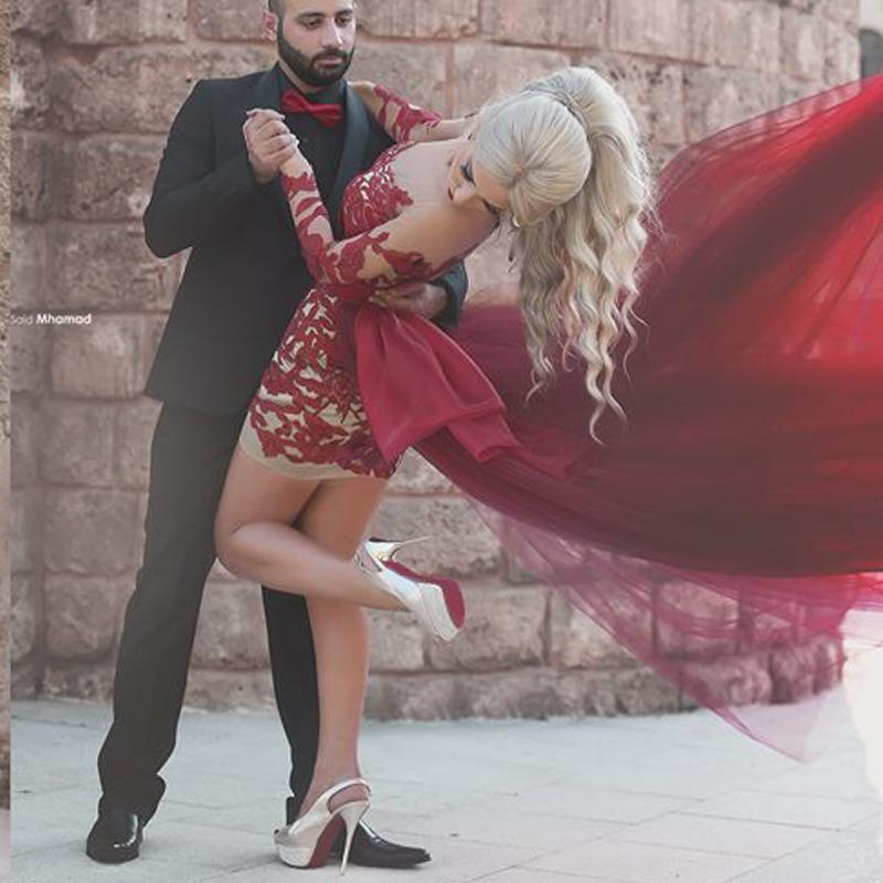 Siyah Kız Kısa Gelinlik Modelleri ile 2016 Şarap Kırmızı Ekip Boyun Çizgisi Illusion Uzun Kollu ve Uçan Tül Etek Çiftler Moda