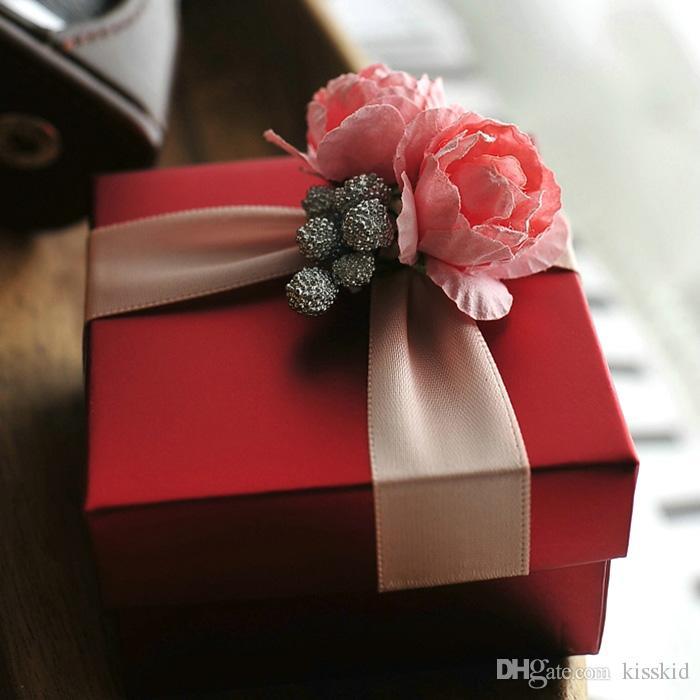 elegante scatola di caramelle rossa con rosa regalo di nozze regalo bomboniere o scatola di colore rosa