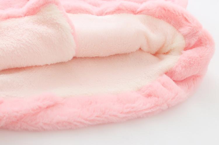Neonate 2 Pom Pom Faux Fur Coats 2018 Inverno Kids Boutique Abbigliamento Little Girls Capispalla Bambini Hoodie cappotti di pelliccia Vendita calda