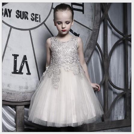 Högkvalitativ 2016 Ny Guldflicka Sommar Lace Stitching Dress Barn Ärmlös Vest Princess Dresses Kids Lace Gaze Dress Cute Girl Dress