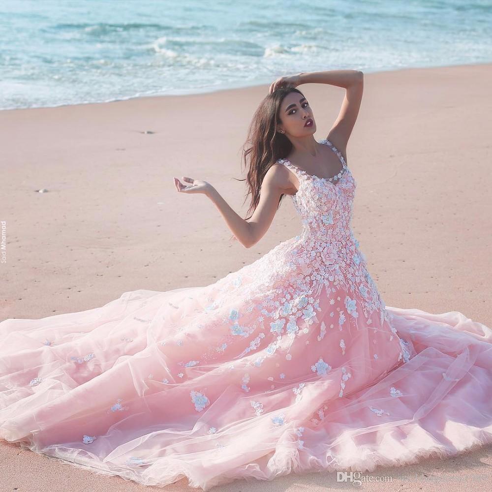 Prenses Çiçek Çiçek Pembe Balo Quinceanera Elbiseler 2019 Aplike Tül Scoop Kolsuz Dantel Korse Uzun Gelinlik Örgün Parti