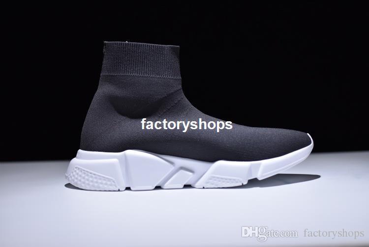 Hot Sale 2017 Moda velocidade meia Sapatos Casuais Das Mulheres Dos Homens de Velocidade Mid Slip-on tênis Trainer Tênis de Corrida Estiramento Malha Alta Top Preto Branco