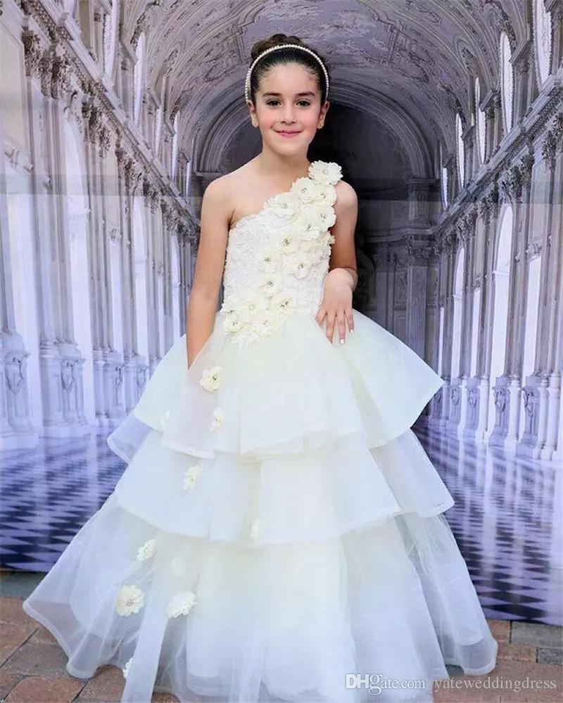 El Yapımı Çiçekler Ile beyaz Çiçek Kız Elbiseler Bir Omuz Kolsuz Fincan Kek Elbiseler Katmanlı Geri Fermuar Custom Made Örgün Parti Törenlerinde