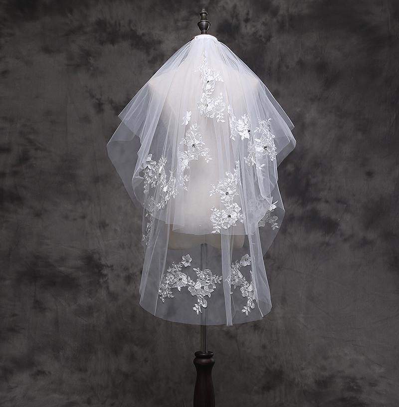 Approche de dentelle courte en ivoire blanche Deux couche de longueur de coude perlée Tulle mariage BRI Và© € à © US de NOIVA