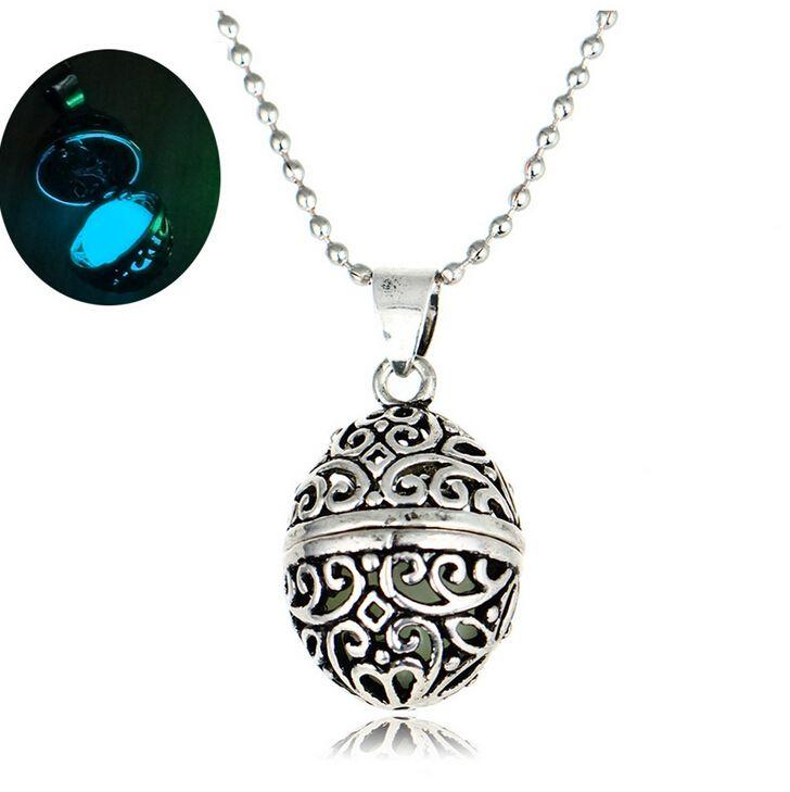 Européen et Américain populaire rétro palais encensoir lumineux perles collier peut ouvrir boîte avec pendentif lumineux collier Mme