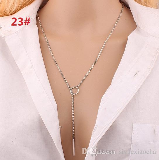 Collier classique avec pendentif feuille, croix noble et délicat, sans fade, qualité hign et livraison gratuite
