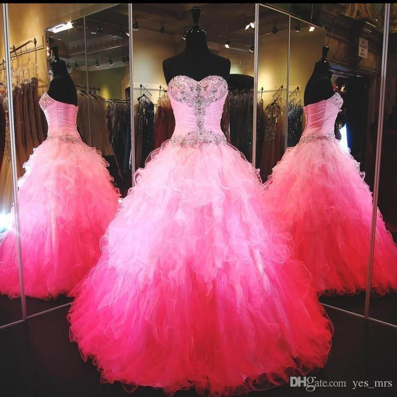 2016 Modern Quinceanera Abiti Sweetheart Bling Branelli di Cristallo Increspature A File Graduale Colore Ball Gown Lungo Hot Pink Lungo Pageant Prom Gowns