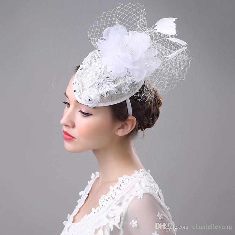 2017 Vintage Women White Brdial Hats Feather Flower Fascinator Hats for Banqut Party Specail Occasion Formal Ladies Lace Wedding Accessories